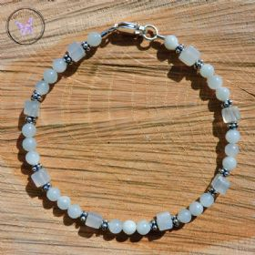 Pretty Pale Green Jade Bracelet